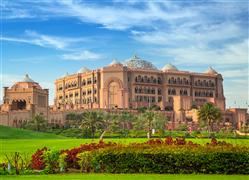 Emirates-Palace-gardens-Abu-Dhabi