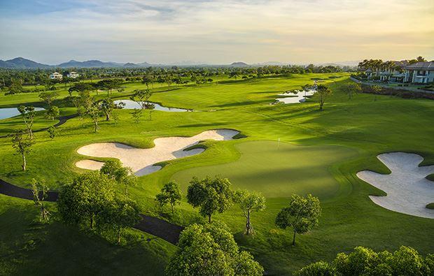 Tour golf